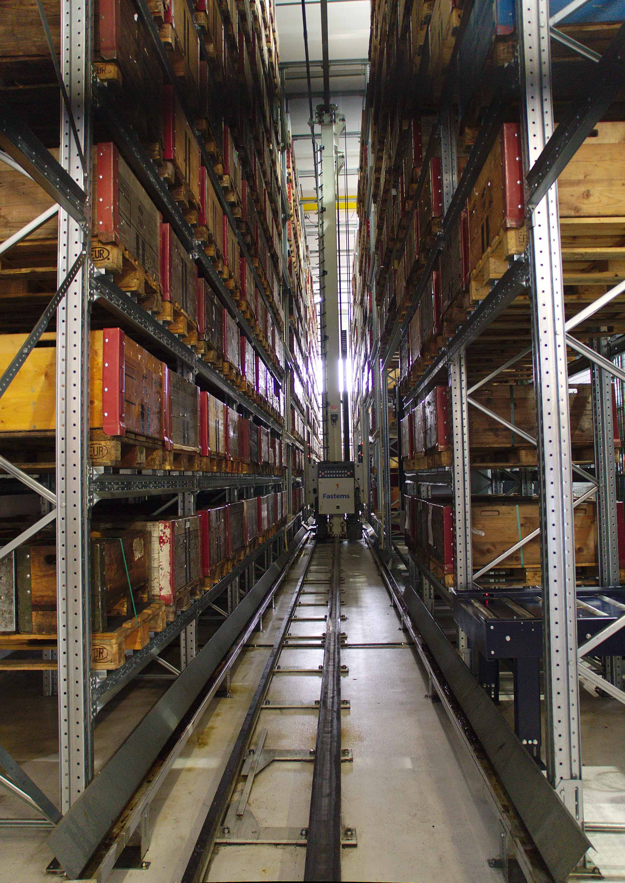 Fastems FMS can also store material pallets