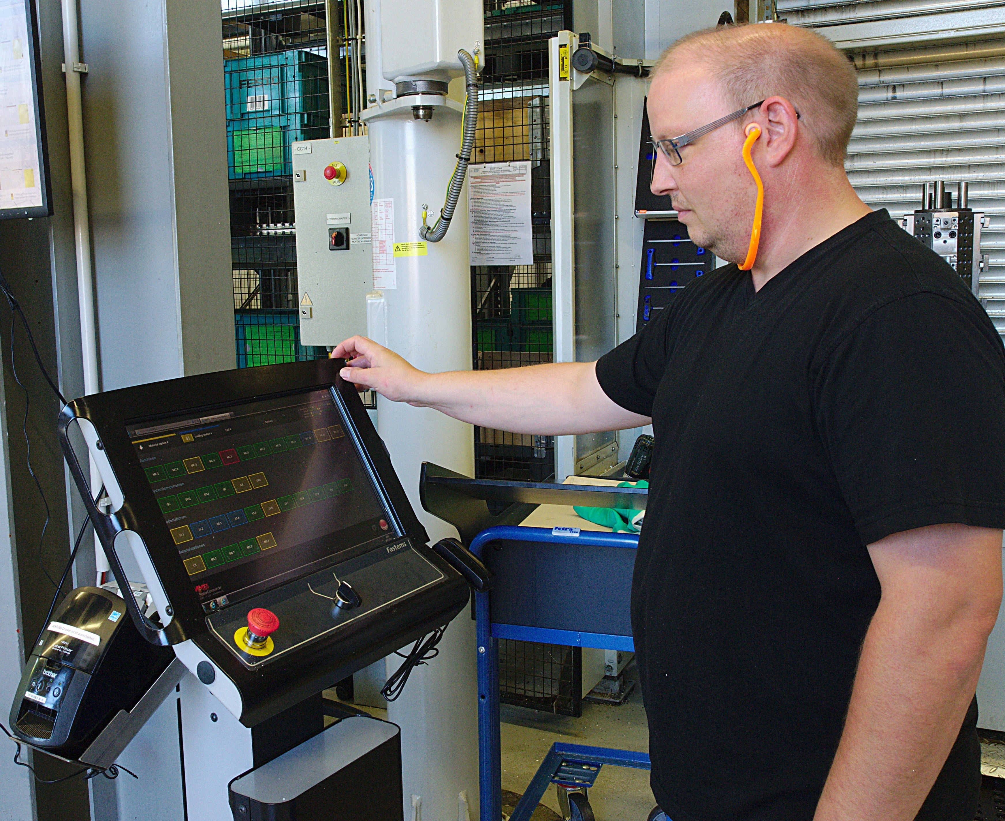 Each loading cell has a terminal with Fastems MMS. The software controls items such as the job-based pallet order in the MLS and manages all CNC programs and tool data.