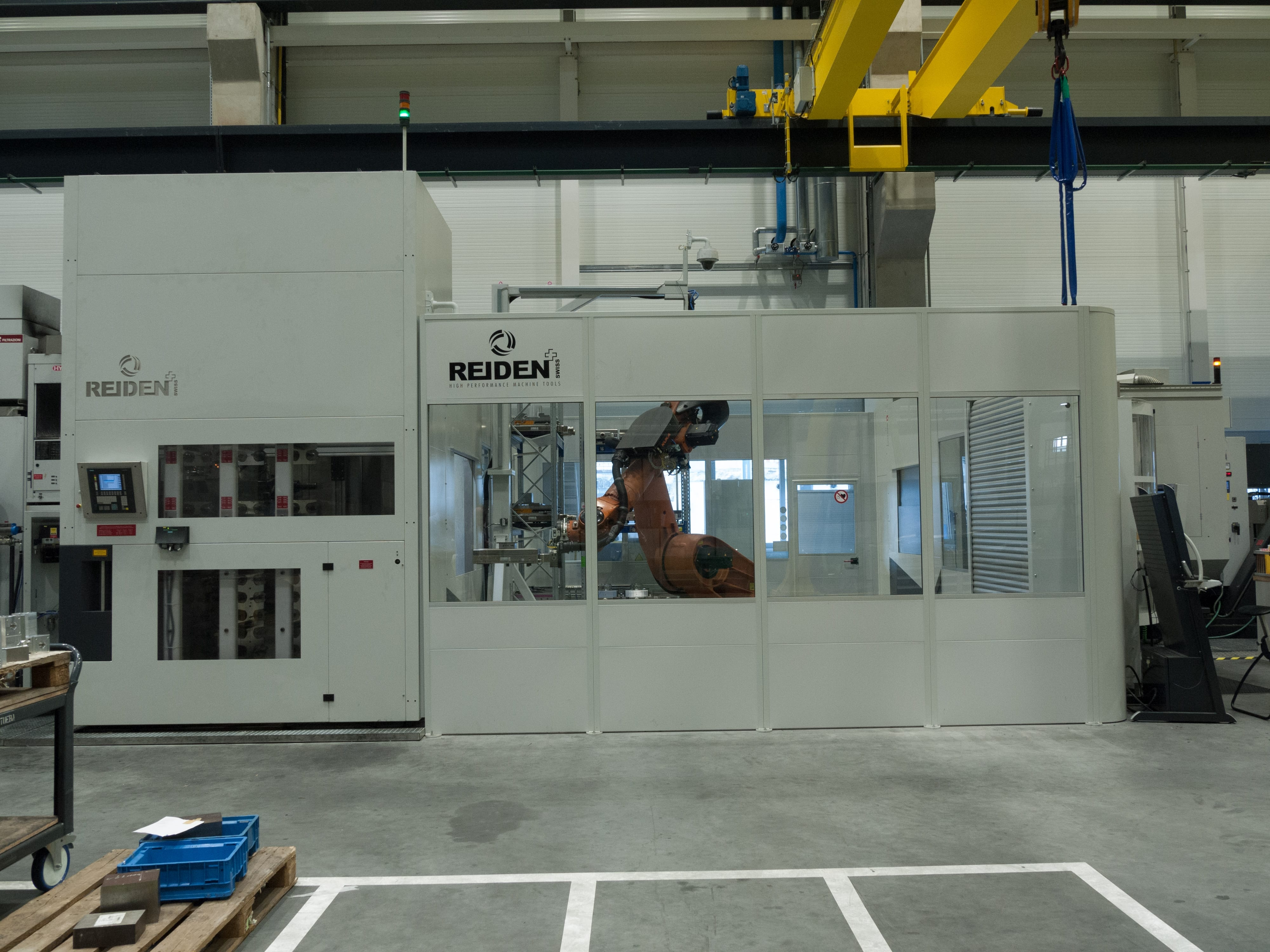 Robotic automation for industry 4.0 in automotive industry by Fastems