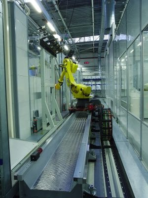 The RoboFMS from Fastems links up all the process steps required for production in a single system, handling both workpieces and pallets.